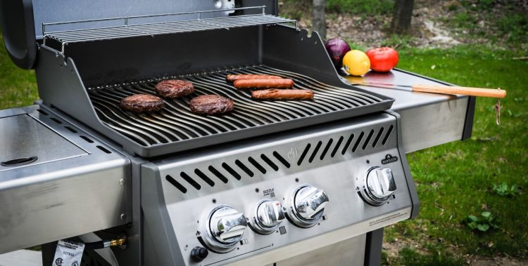 8 Best Buy Gas Grills Review Guide For 2021-2022
