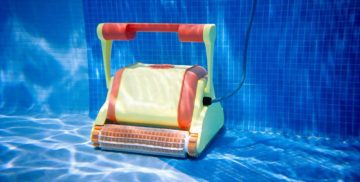 Best Robotic Pool Cleaner For Vinyl Pools Review Guide For 2021-2022