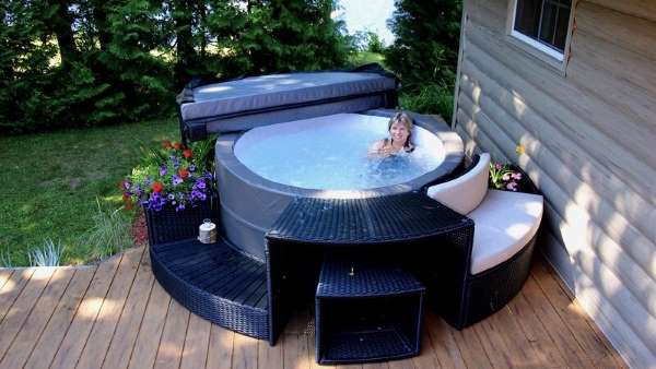 Best Home Hot Tub Review Guide For 2021-2022